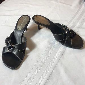 Antonio Melani black 2 inch heel slide size 6 1/2